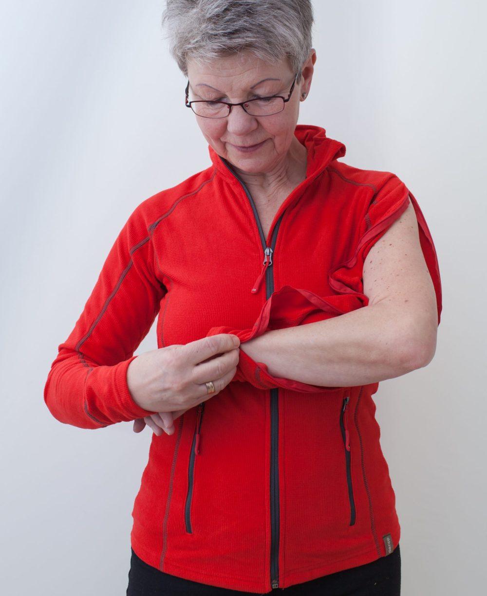 rot-damenfleece-jacke-mit-individuellem-reißverschluss-für-dialysepatienten-diazipp