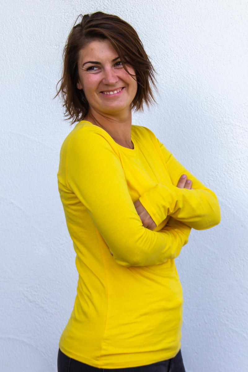 gelb-Damen-shirt--für-Dialysepatienten-mit-individuellem-Reißverschluss-Diazipp-Dialyse-Bekleidung-Dialyse-Infusio
