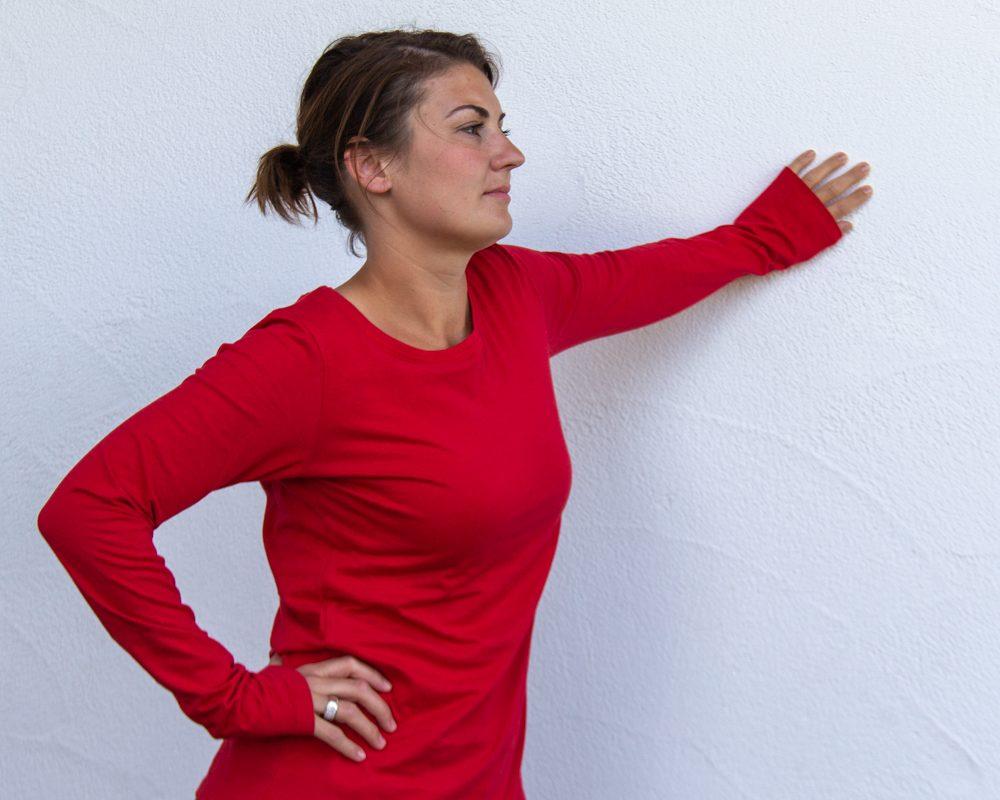 rot-Damen-shirt-für-Dialysepatienten-mit-individuellem-Reißverschluss-Diazipp-Dialyse-Bekleidung