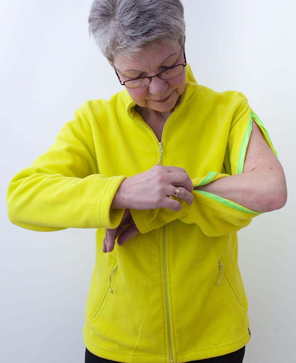 gelb-damenfleece-jacke-für-dialysepatienten-mit-individuellem-reißverschluss-diazipp