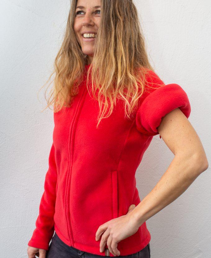 rot-Damenfleece-damenjacke-für-dialysepatienten-mit-individuellem-reißverschluss-diazipp-dialysebekleidung-2