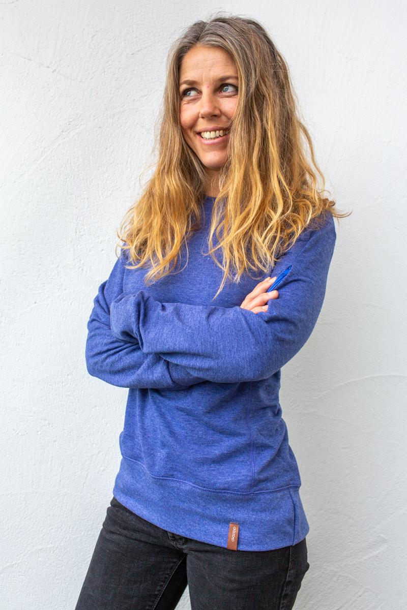 blau-Damenfleece-für-dialysepatienten-mit-individuellem-reißverschluss-diazipp-dialysebekleidung