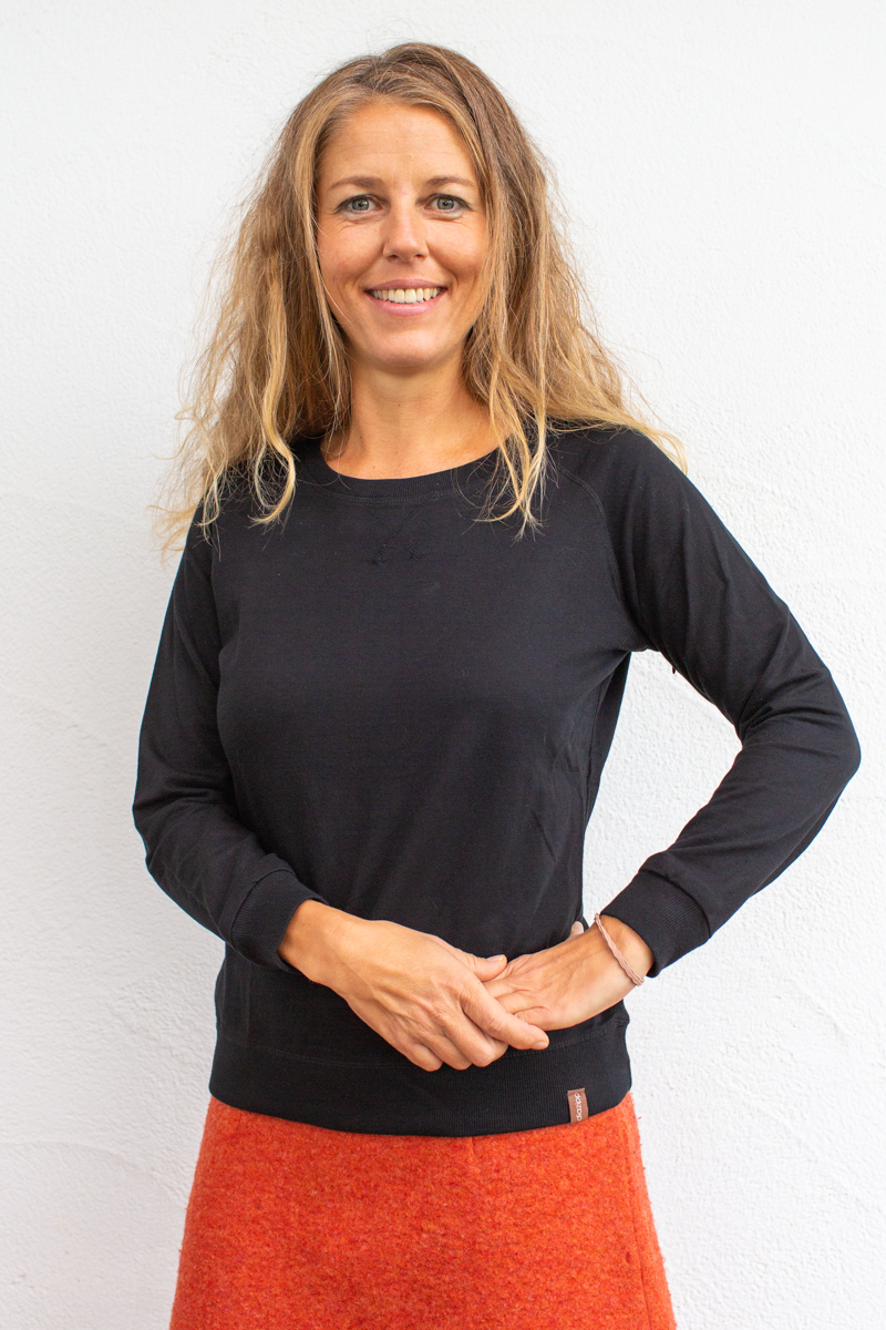 schwarz-Damenpullover-für-Dialysepatienten-mit-individuellem-Reißverschluss-Diazipp-Dialysebekleidung