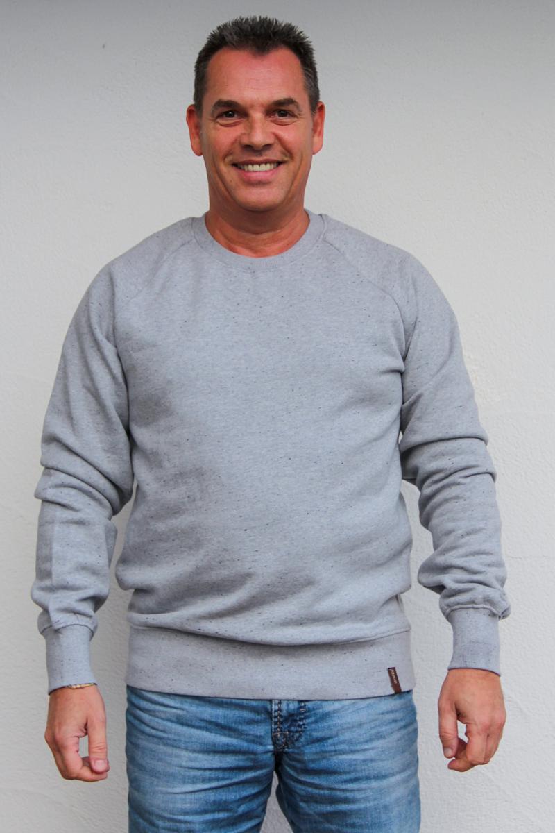 hellgrau-herren-pullover-für-dialysepatienten-mit-individuellem-reißverschluss-diazipp-dialysebekleidung-4