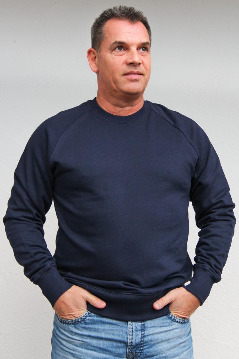 dunkelblau-herren-pullover-für-dialysepatienten-mit-individuellem-reißverschluss-diazipp-dialysebekleidung-2