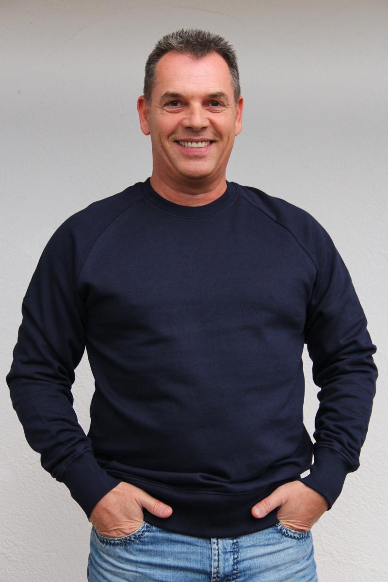 dunkelblau-herren-pullover-für-dialysepatienten-mit-individuellem-reißverschluss-diazipp-dialysebekleidung