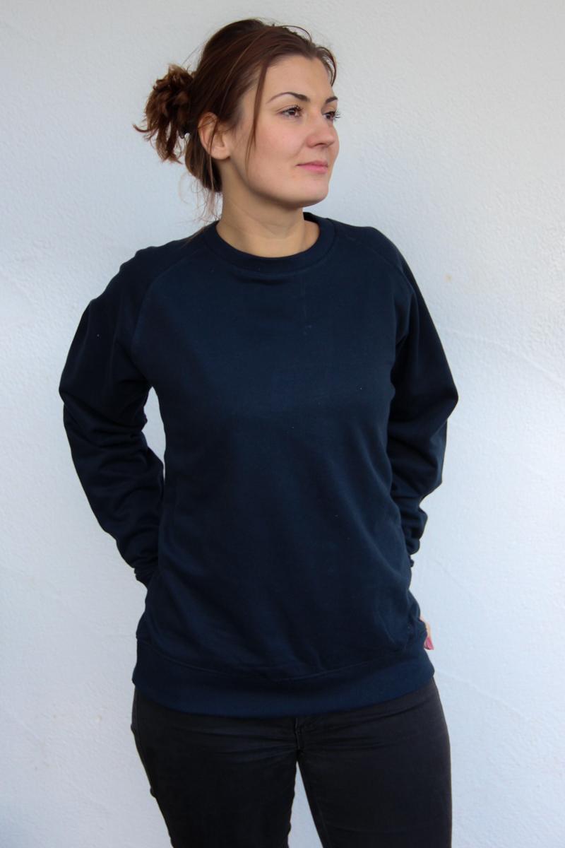 dunkelblau-Damen-sweater-für-dialysepatienten-diazipp-dialysebekleidung