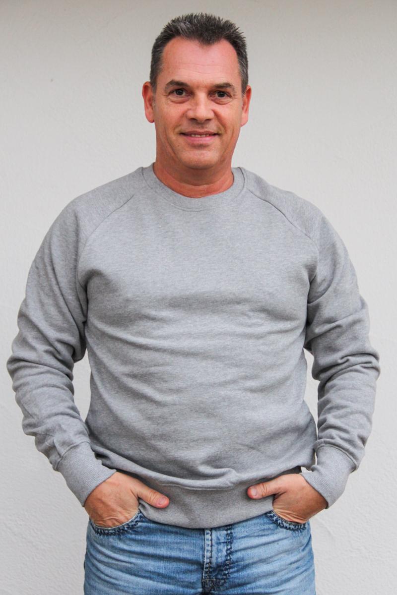 grau-herren-pullover-für-dialysepatienten-mit-individuellem-reißverschluss-diazipp-dialysebekleidung