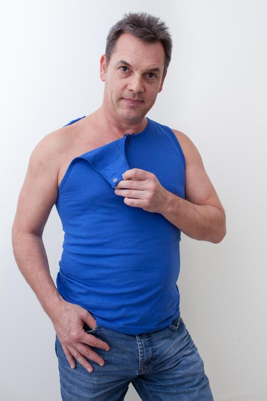 blau-herren-Kathteterhemd-für-dialysepatienten-mit-individuellem-reißverschluss-diazipp-dialysebekleidung-2