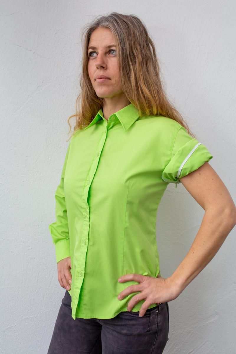 grün-damen-bluse-für-dialysepatienten-mit-individuellem-reißverschluss-diazipp-dialysebekleidung