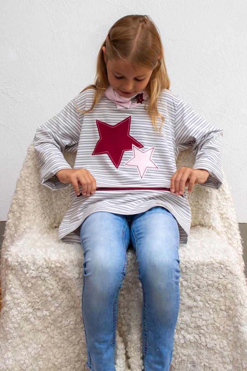rosa-Sternschnuppe-kids-unterhemd-für-dialysepatienten-mit-individuellem-reißverschluss-diazipp-dialysebekleidung-made-with-love-4