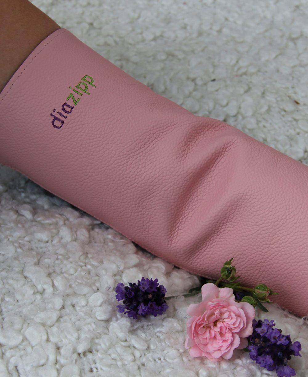rosa-Damen-Ledershuntschutzband-Diazipp-Dialysebekleidung