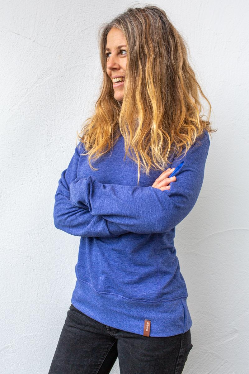 blauer-Damenpullover-für-Dialysepatienten-mit-individuellem-Reißverschluss-Diazipp-Dialysebekleidung-Dialyse-Infusion-sale