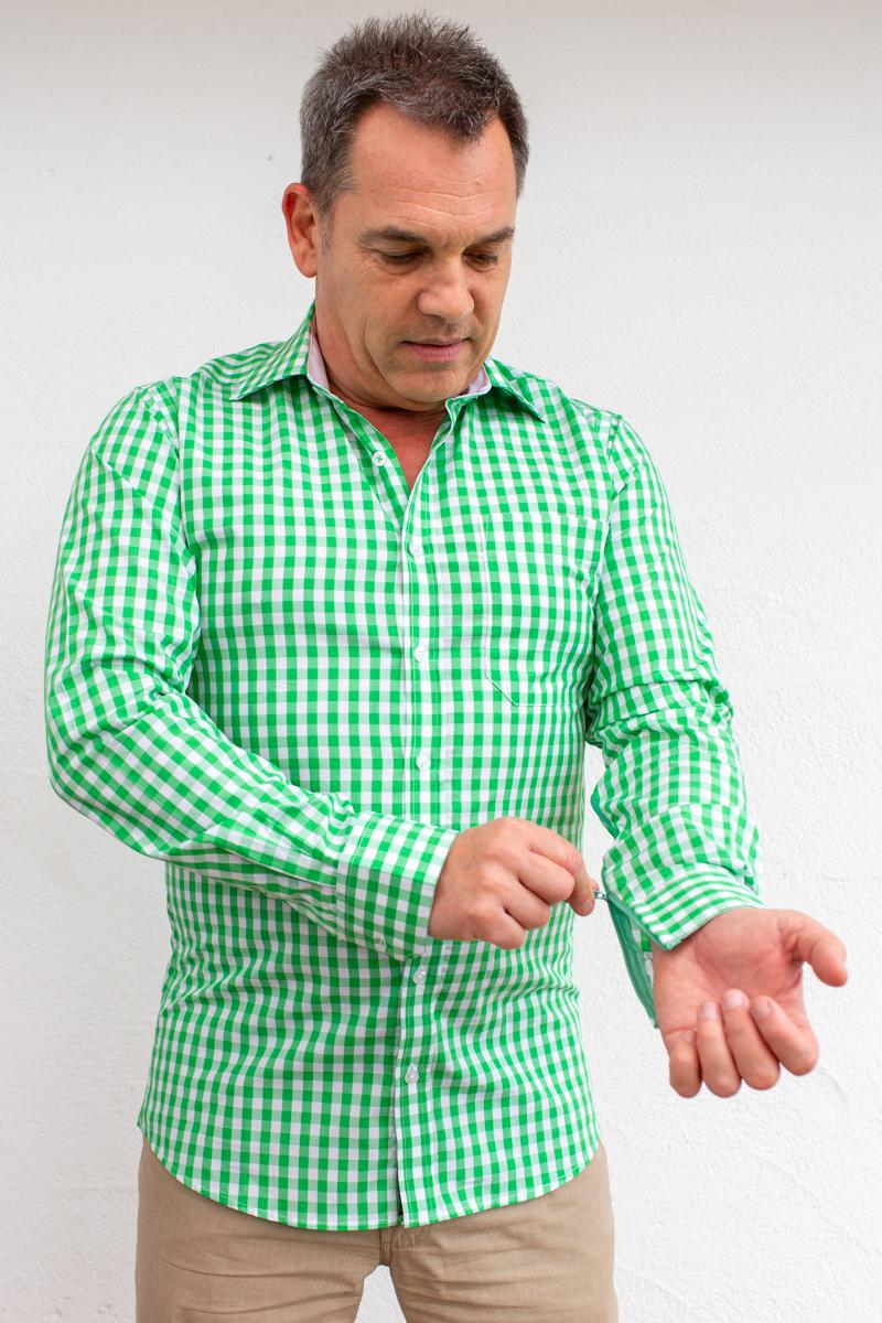 kariert-Herrenhemd-für-Dialysepatienten-mit-individuellem-Reißverschluss-Diazipp-Dialyse-bekleidung